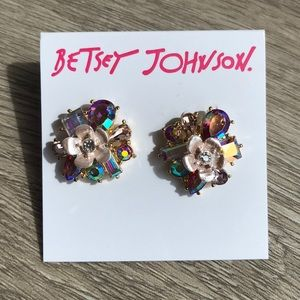 ✨NEW Betsey  Johnson Flower Earrings ✨